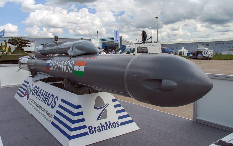 مصر-تتطلع-لشراء-صاروخ-الكروز-الروسي-الهندي-براهموس-BrahMos-1024x642.jpg