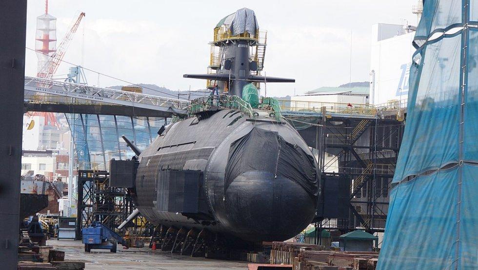 1024px-JS_Syoryu(SS-510)_right_front_view_at_floating_dry_dock_No.3_of_Kawasaki_Heavy_Industri...jpg