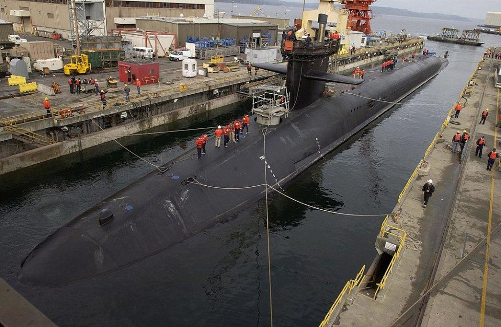 1024px-USS_Michigan_(SSBN-727).jpg