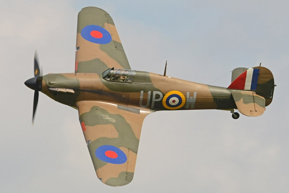 1200px-Hawker_Hurricane_I_'R4118_UP-W'_(G-HUPW)_(41455530471).jpg