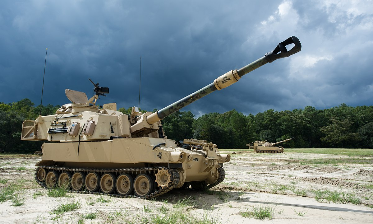 1200px-Kings_of_battle_keep_the_fire;_1-9_FA_fires_its_last_rounds_140910-A-CW513-046.jpg