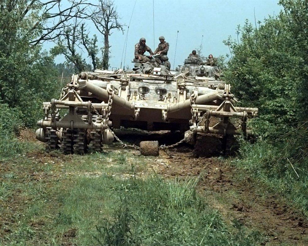 1200px-M60-panther-mcgovern-base.jpg