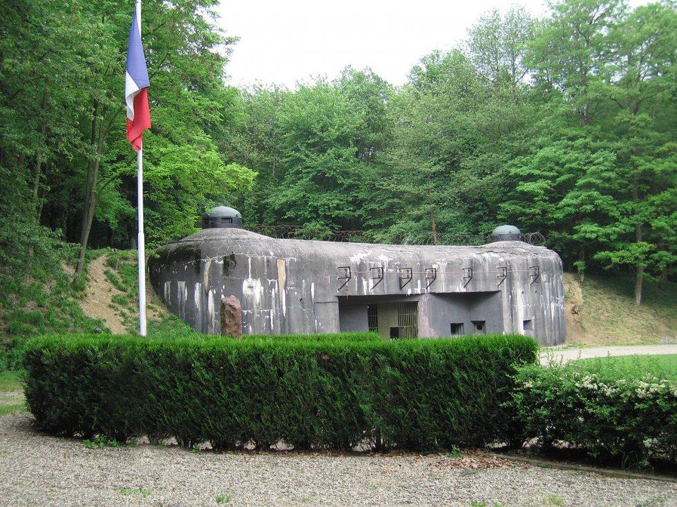 1200px-Maginot_line_1.jpg