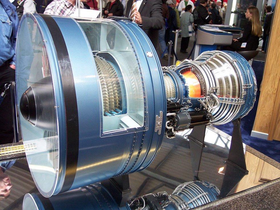 1200px-Pratt_&_Whitney_PW_4000_mockup_cutaway.jpg