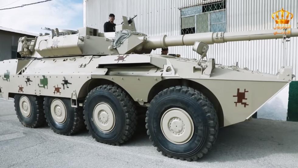 13 برنامج جيشنا العربي  المعرض الفني لسلاح الصيانة الملكي - YouTube (6).png
