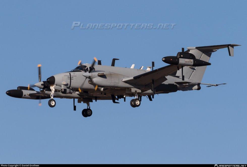 13120-us-army-beechcraft-rc-12_PlanespottersNet_832238_0076275ca1_o.jpg