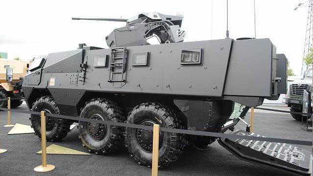 1340424190_renault-trucks-defense-2.jpg