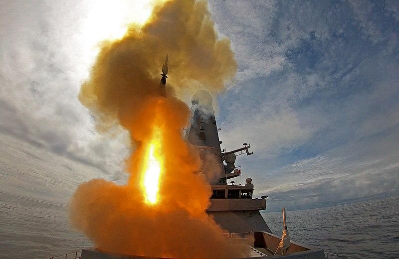 800px-HMS_Defender_Sea_Viper.jpg