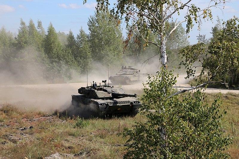800px-Italian_Army_-_4th_Tank_Regiment_-_Ariete_tanks_in_Latvia_2019.jpg