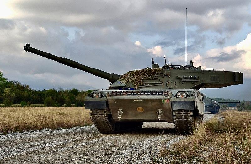 800px-Italian_Army_-_C1_Ariete_main_battle_tanks_during_an_exercise_2019.jpg