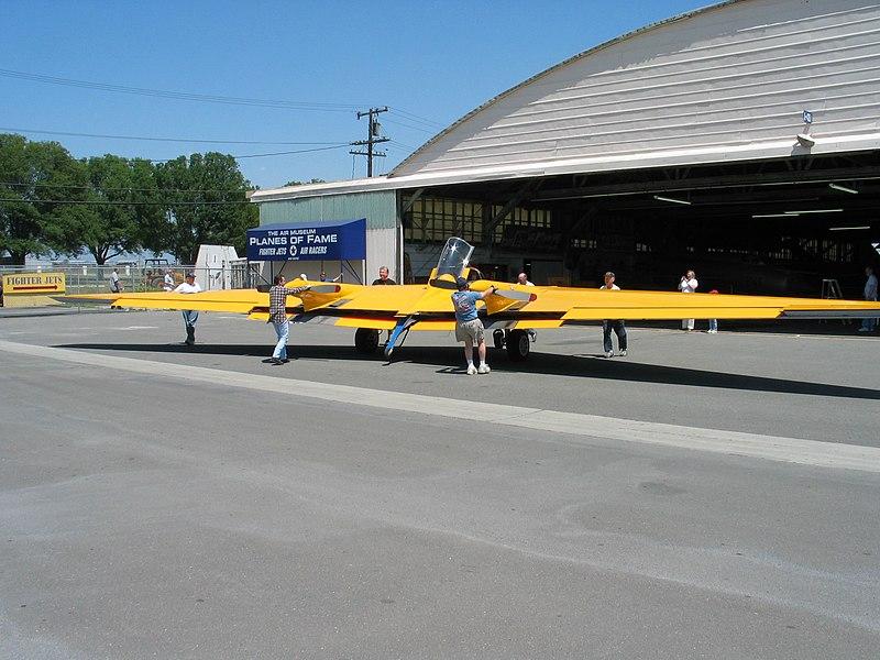 800px-N9MB-at-hangar.jpg