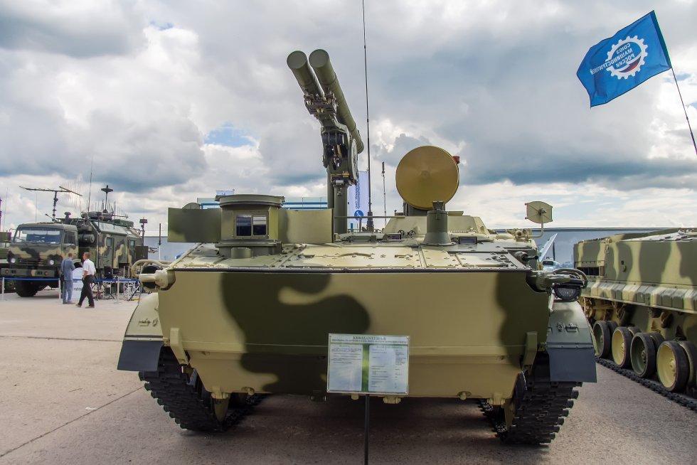 9P157-2_combat_vehicle_of_9K123_Khrizantema-S_AT_system_at_Engineering_Technologies_2012_Front.jpg