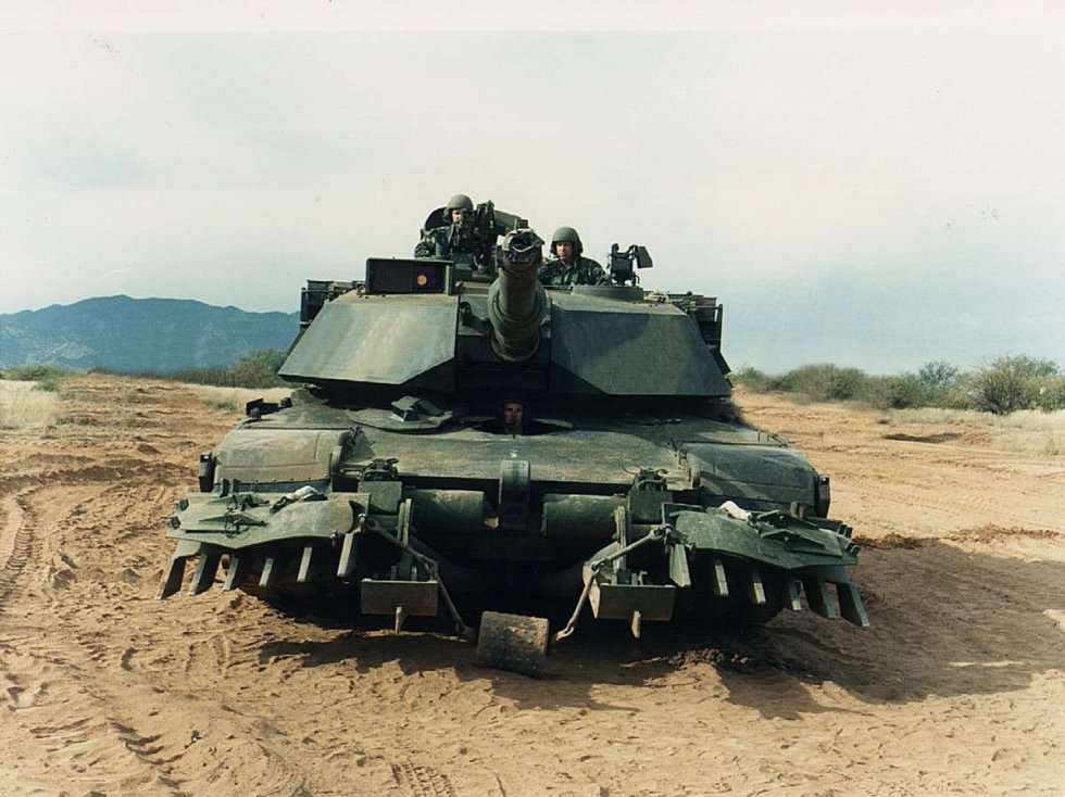Abrams_tank_with_mine_plow.jpg