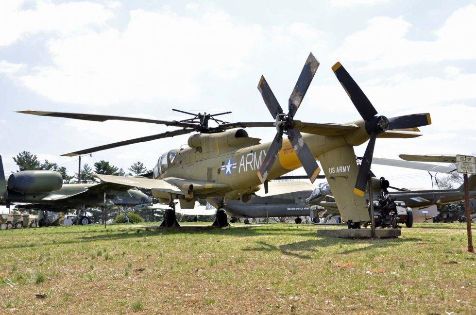 AH-56A-LO 66-8831 A Campbell.JPG