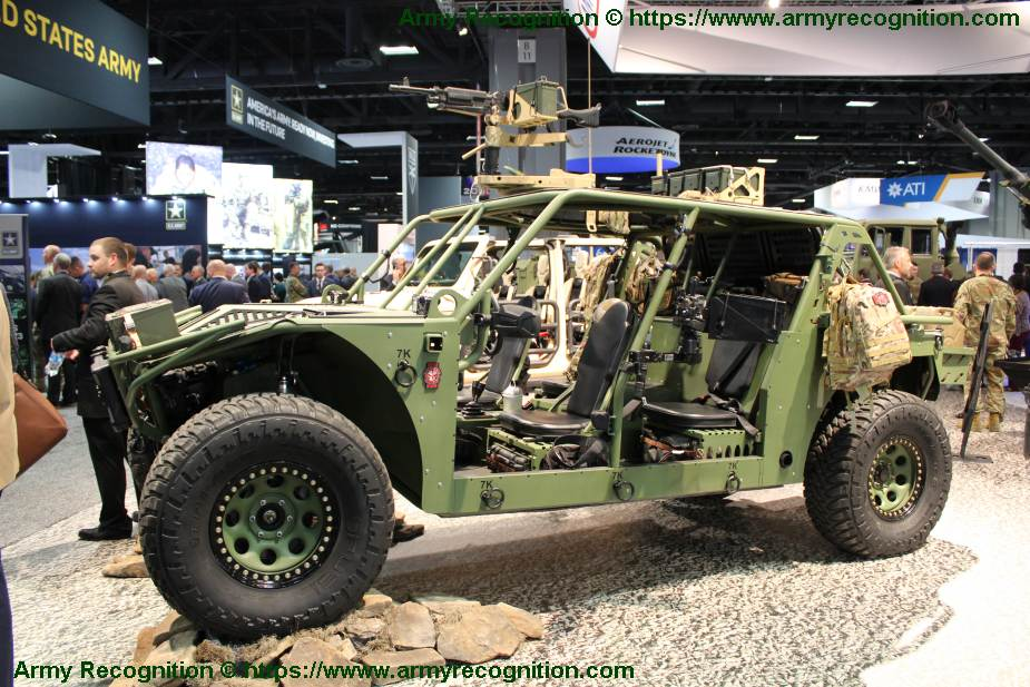 AM_General_presents_its_new_generation_of_Light_Tactical_Vehicle_called_X-LT3_925_001.jpg