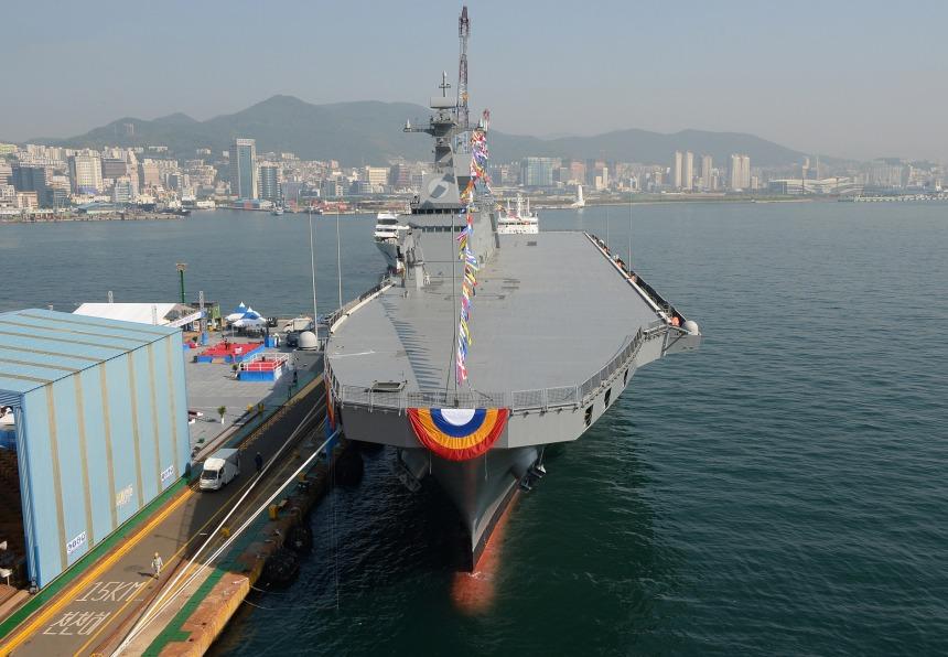 amphibious-assault-ship-roks-marado-lph-6112-photo-in-publ-1.jpg