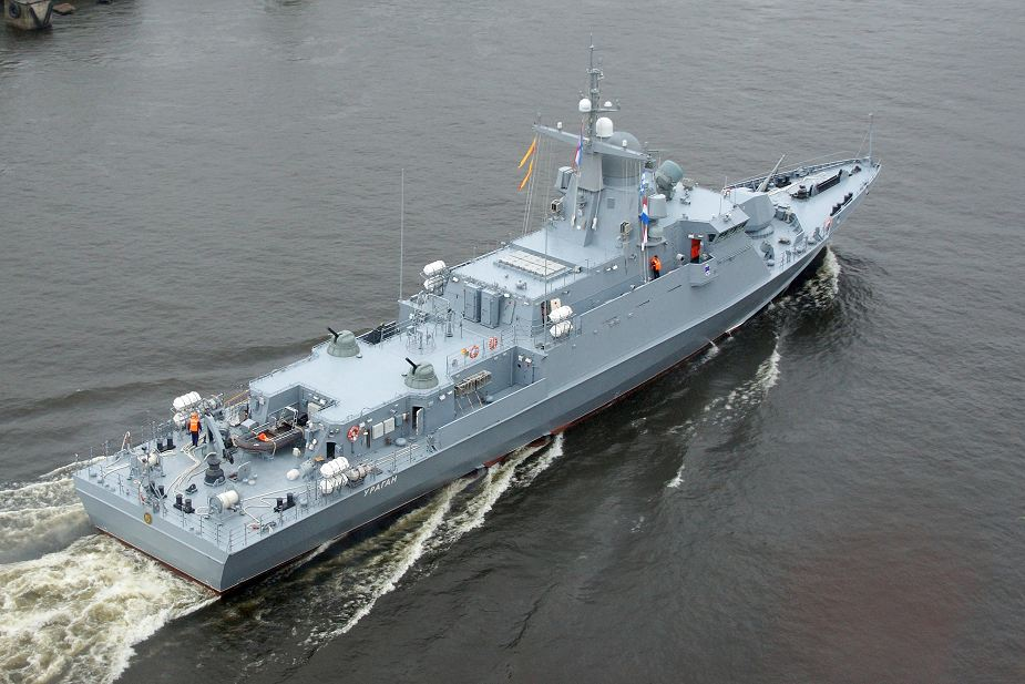 Amur_Shipyard_laid_third_Karakurt-class_missile_corvette_of_project_22800_for_Russian_Navy_925...jpg