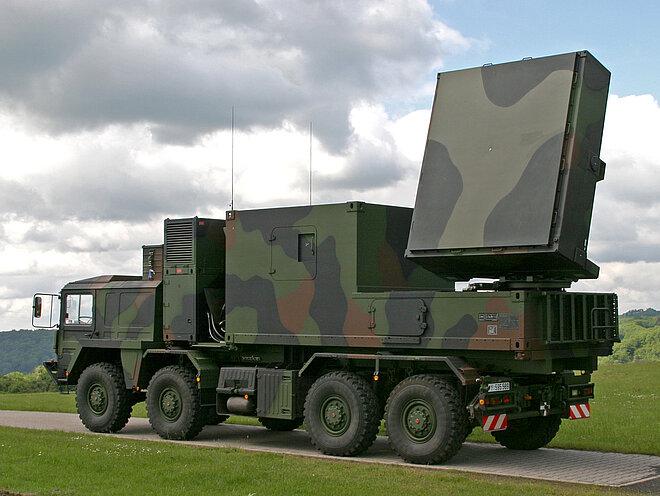 Artillery_location_radar_COBRA_of_the_German_army_in_field.jpg