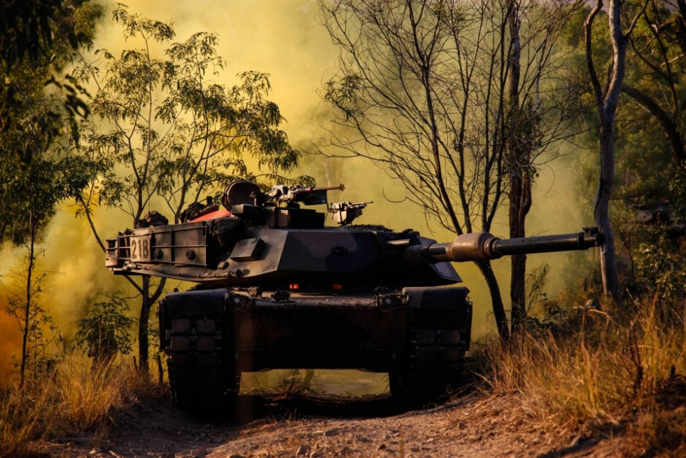 australian-army-m1a1-main-battle-tank-1.jpg