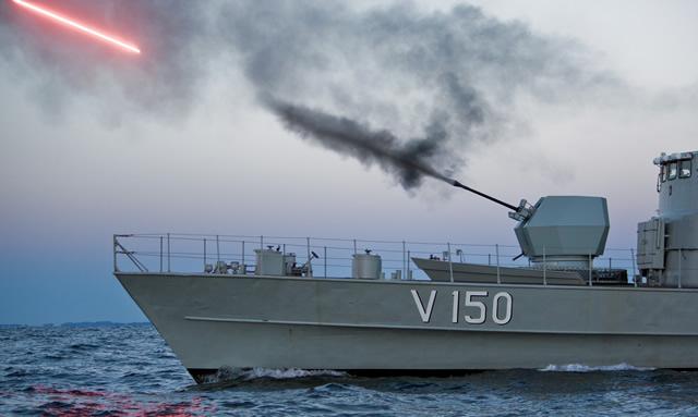 BAE_systems_Bofors_40Mk4_firing_trials_HMS_Jagaren_2.jpg