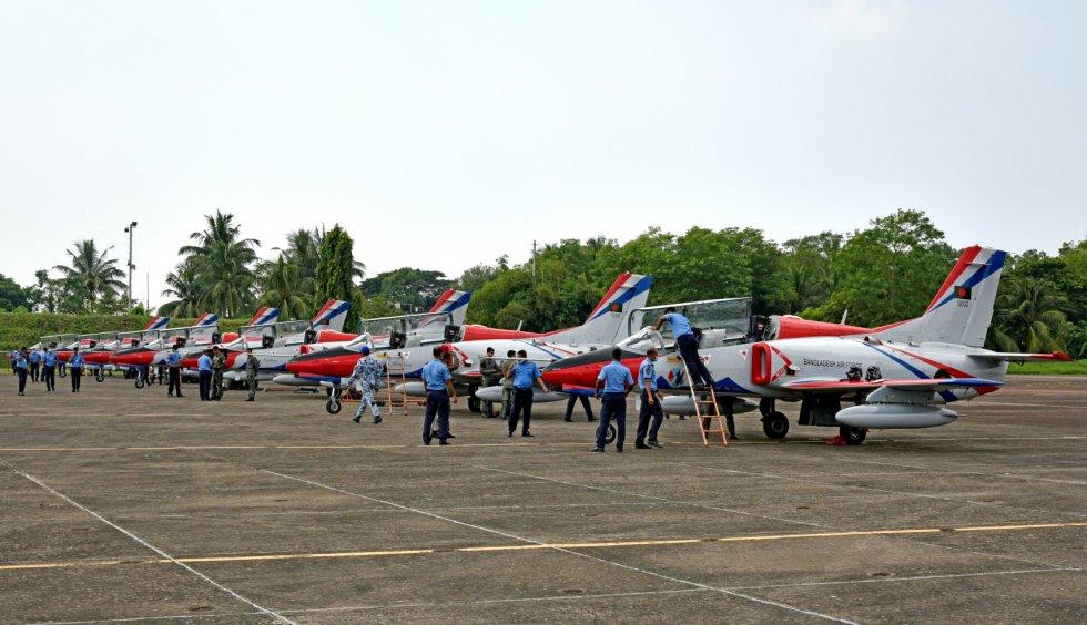 Bangladesk-K-8W-2.jpg