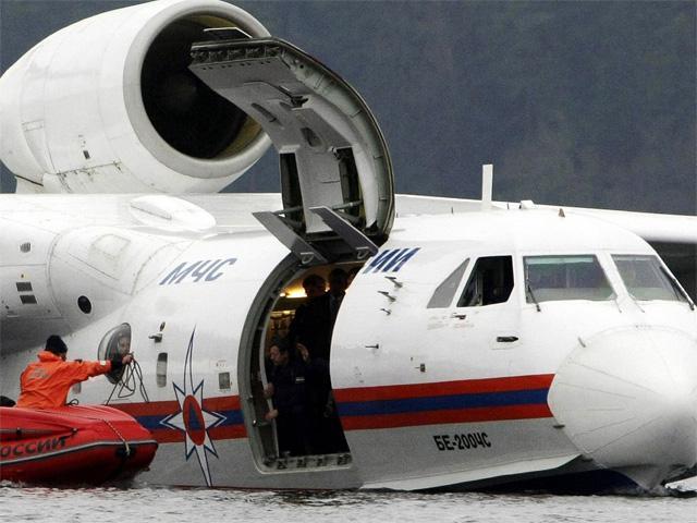 beriev-be-200-amphibious-plane-used-in-search-1-1.jpg
