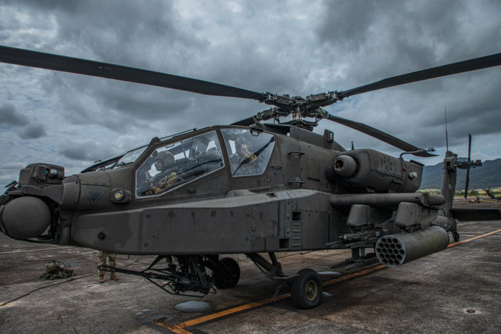 boeing-ah-64-apache-attack-helicopter.jpg