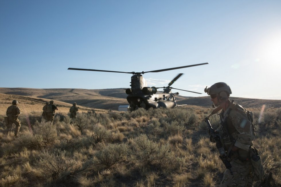 boeing-receives-265-million-chinook-helicopter-order-from-u-s-army-special-operations-1.jpg