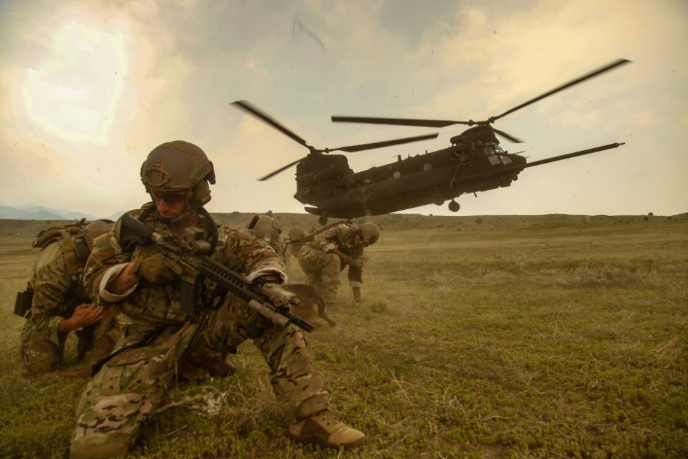 boeing-receives-265-million-chinook-helicopter-order-from-u-s-army-special-operations-2.jpg