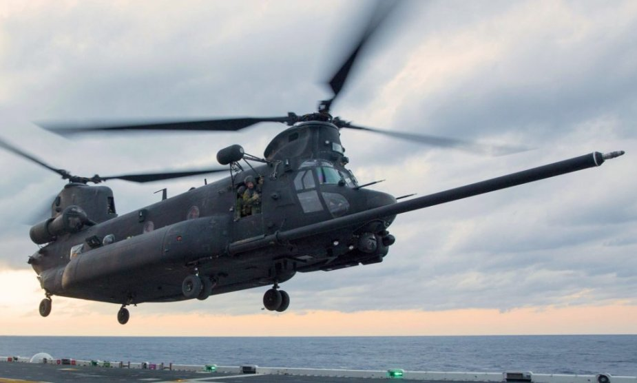 Boeing_to_deliver_additional_nine_Block_II_Chinook_helicopters_to_the_U.S._Army_925_002.jpg
