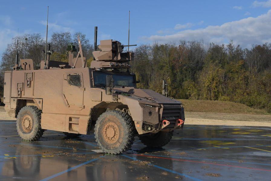 ce-vehicule-blinde-4x4-de-classe-15-tonnes-concu.jpg