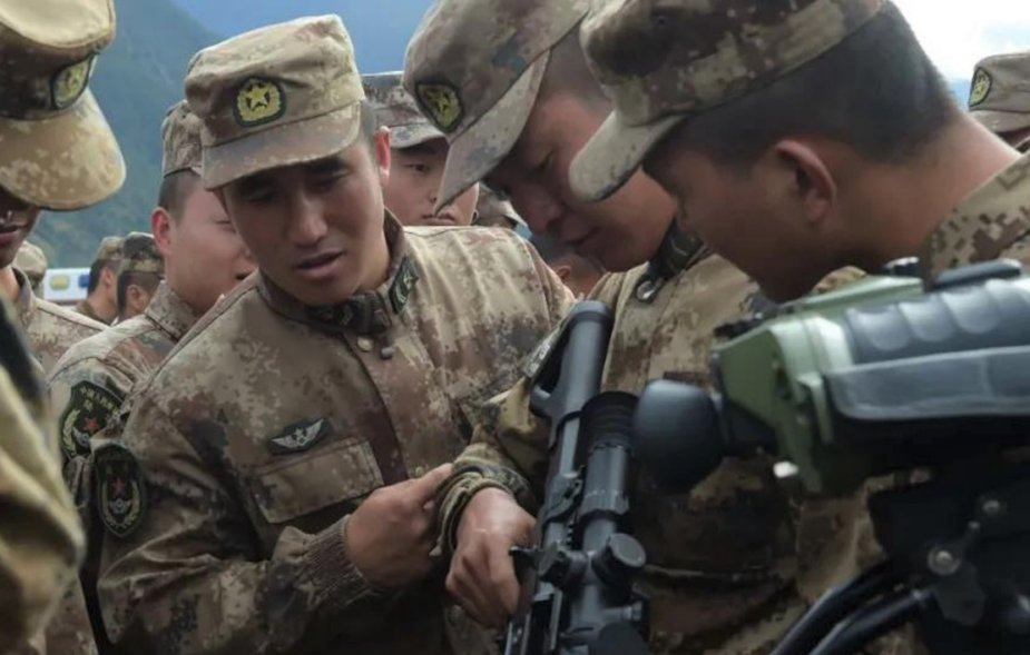 Chinese_soldiers_in_Tibet_receive_new_QBU-191_sniper_rifles_1.jpeg