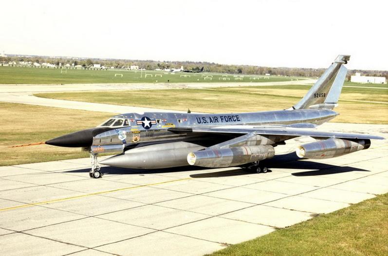 Convair_B-58_Hustler_USAF.jpg