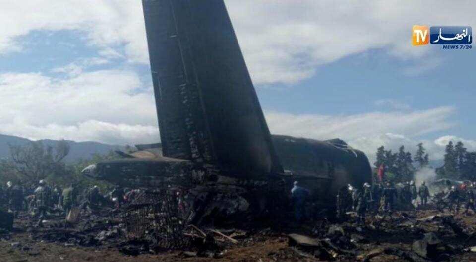 crashing-algerian-military-capital-airport-outside-algiers_b9a1695e-3d79-11e8-bfff-c0c145c8e053.jpg