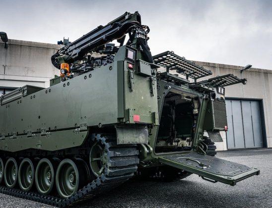 CV90-STING-mit-Heckklape-und-Greifarm_BAE-System-e1556881304434-548x420.jpg