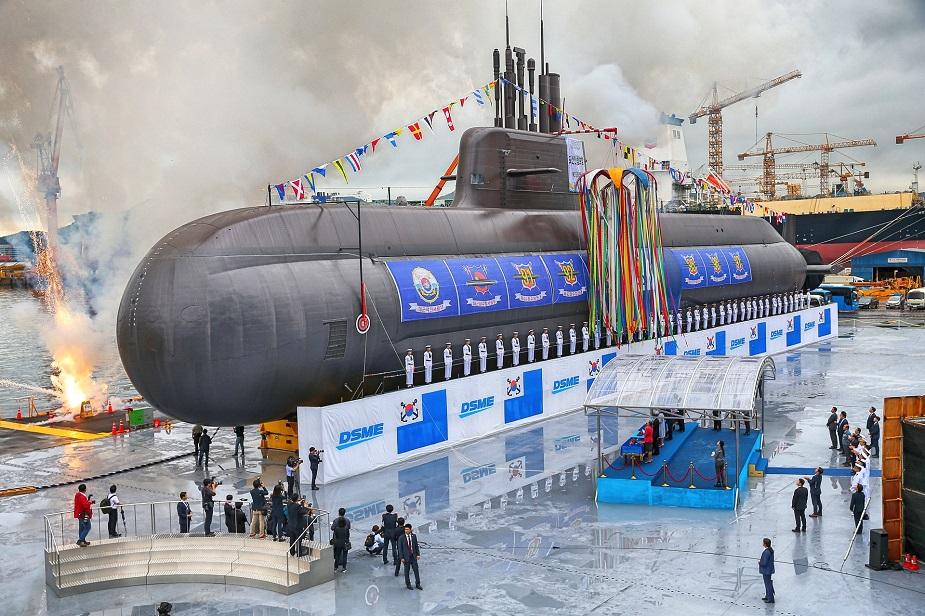 DSME_Launched_ROK_Navys_1st_3000_tons_KSS-III_Submarine_Dosan_Ahn_Chang-ho_1.jpg