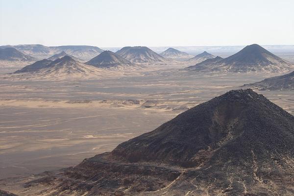 Egypt-desert-black.jpg