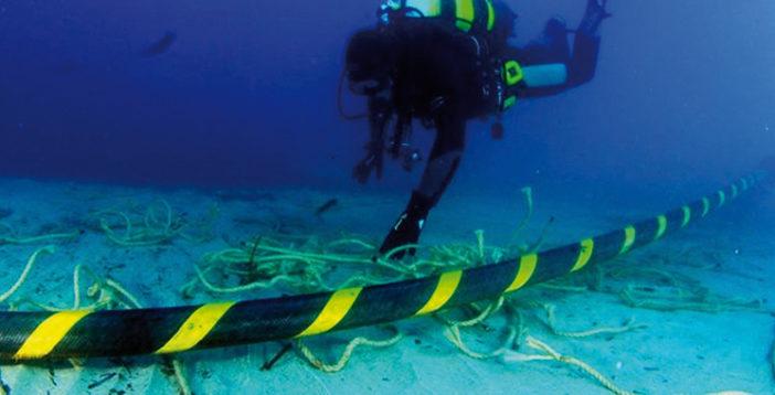 Electricite-cable-electrique-sous-marin-702x358.jpg
