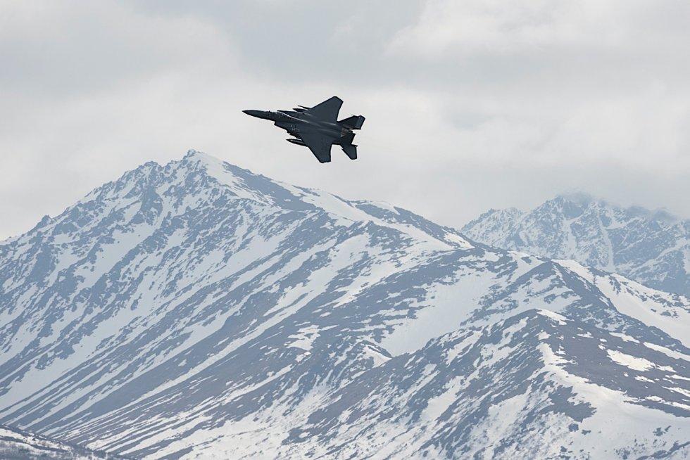 f-15ex-eagle-looks-like-a-master-in-the-sky-flying-over-alaska-mountain-range-162263_1.jpg