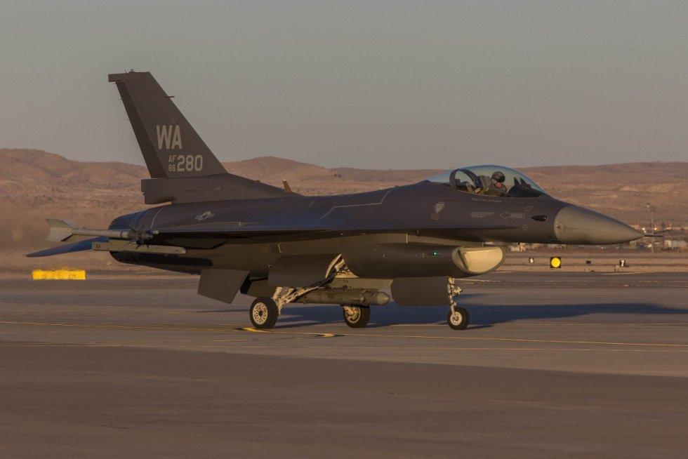 F-16-Have-Glass-Aggressors-2.jpg