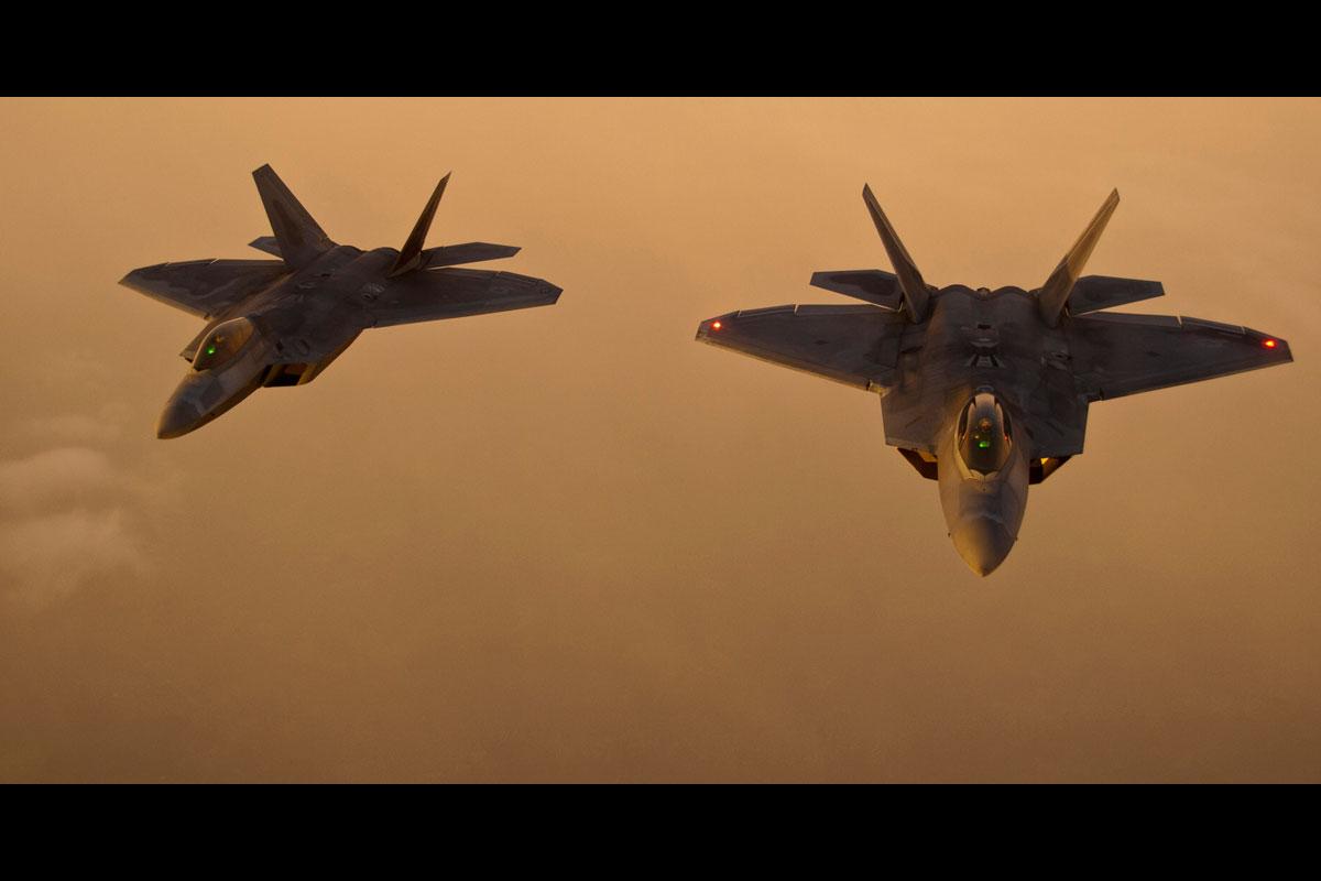 f-22-raptor_004.jpg