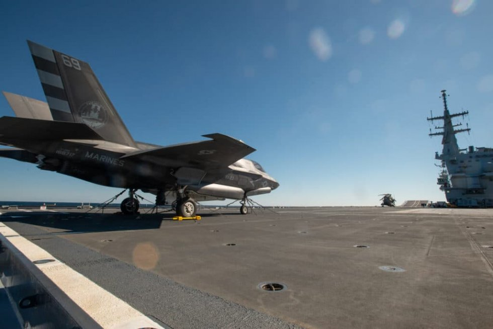 F-35B-Landed-aboard-Italian-Navy-Aircraft-Carrier-ITS-Cavour-for-the-First-Time-2-1024x683.jpg