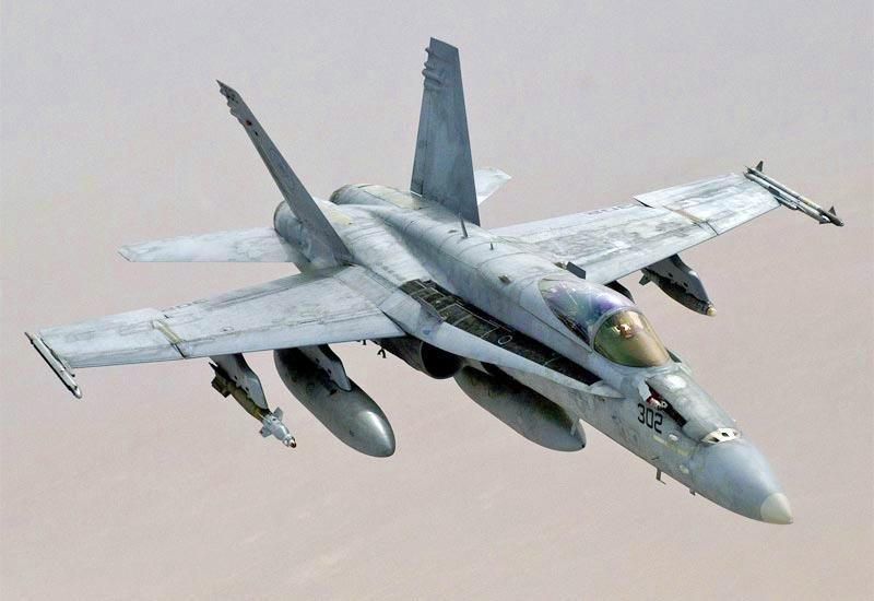 FA-18C_desert_refueling.jpg