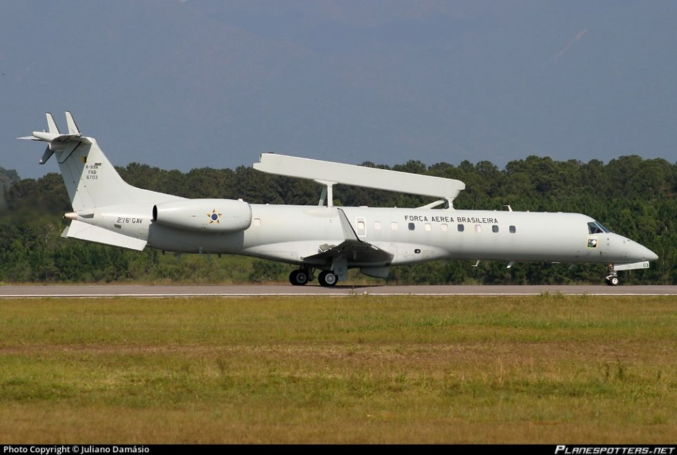 fab6703-fora-area-brasileira-brazilian-air-force-embraer-e-99-emb-145sa_PlanespottersNet_03735...jpg