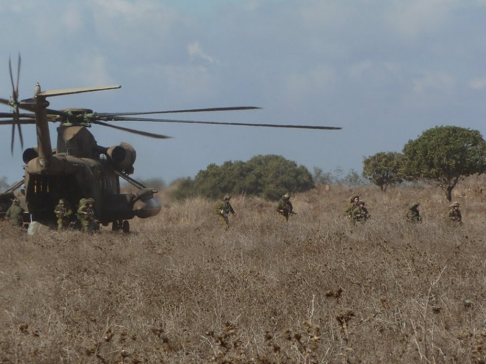 Flickr_-_Israel_Defense_Forces_-_Iron_Trails_Reconnaissance_Company_Conducts_Major_Exercise.jpg