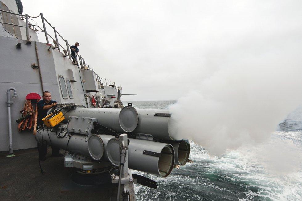 Flickr_-_Official_U.S._Navy_Imagery_-_USS_Winston_S._Churchill_fires_a_torpedo..jpg