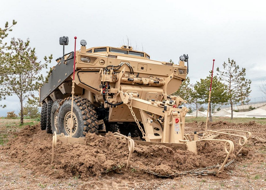 FNSS_Reveals_PARS_III_8x8_Engineering_Vehicle_developed_for_Oman.jpg