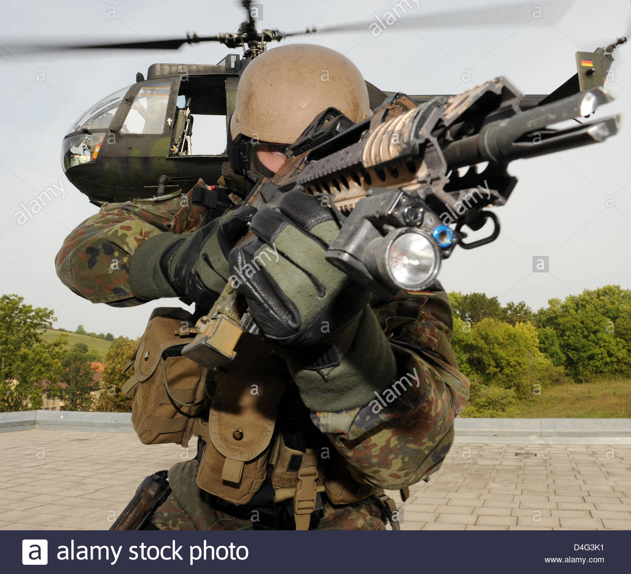 german-bundeswehr-soldiers-of-the-special-forces-commando-ksk-pictured-D4G3K1.jpg