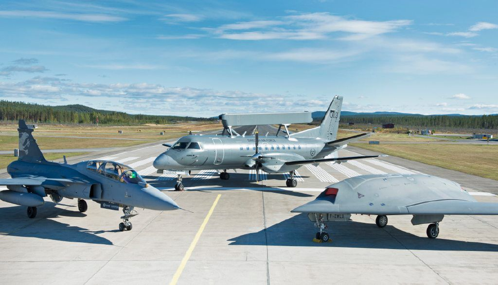Gripen+39-7+with+Saab+340+AEW+and+Neuron.jpg