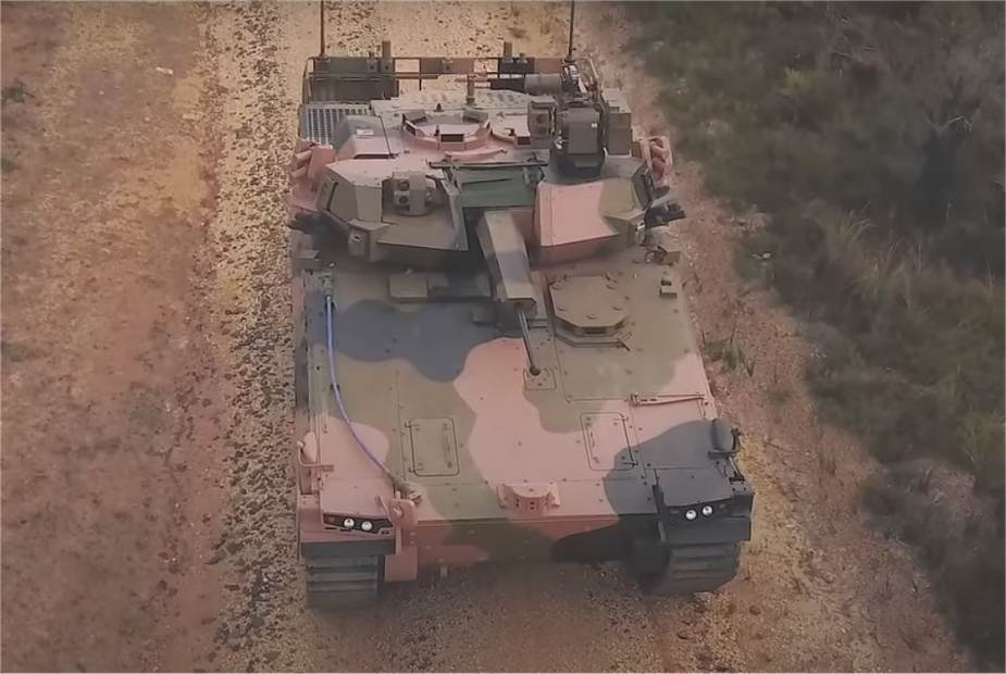 Hanwha_launches_AS-21_Redback_tracked_armored_IFV_in_Australia_925_001.jpg